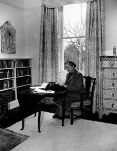 typewriter writer